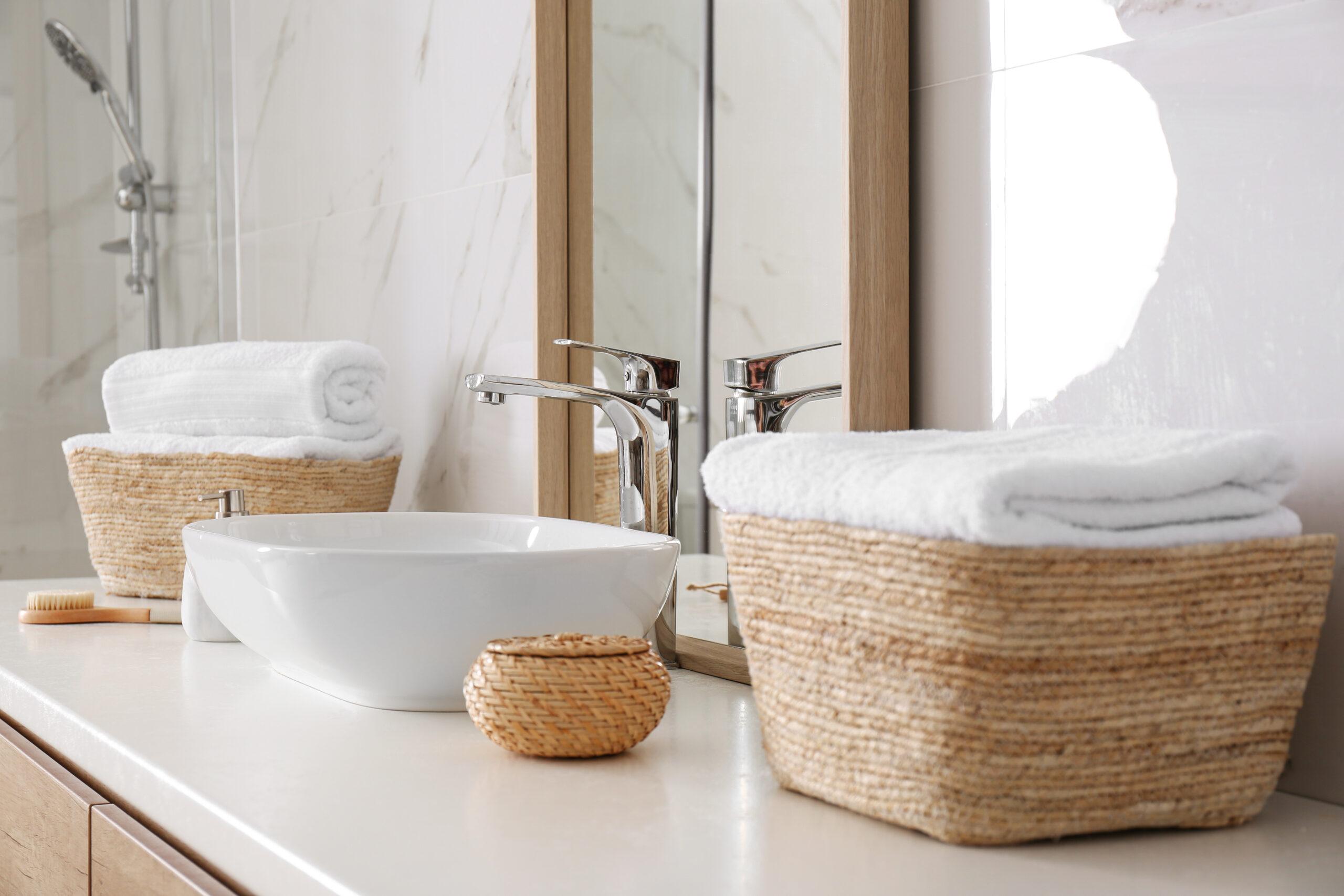 photo salle bain accessoire savon miroir robinet
