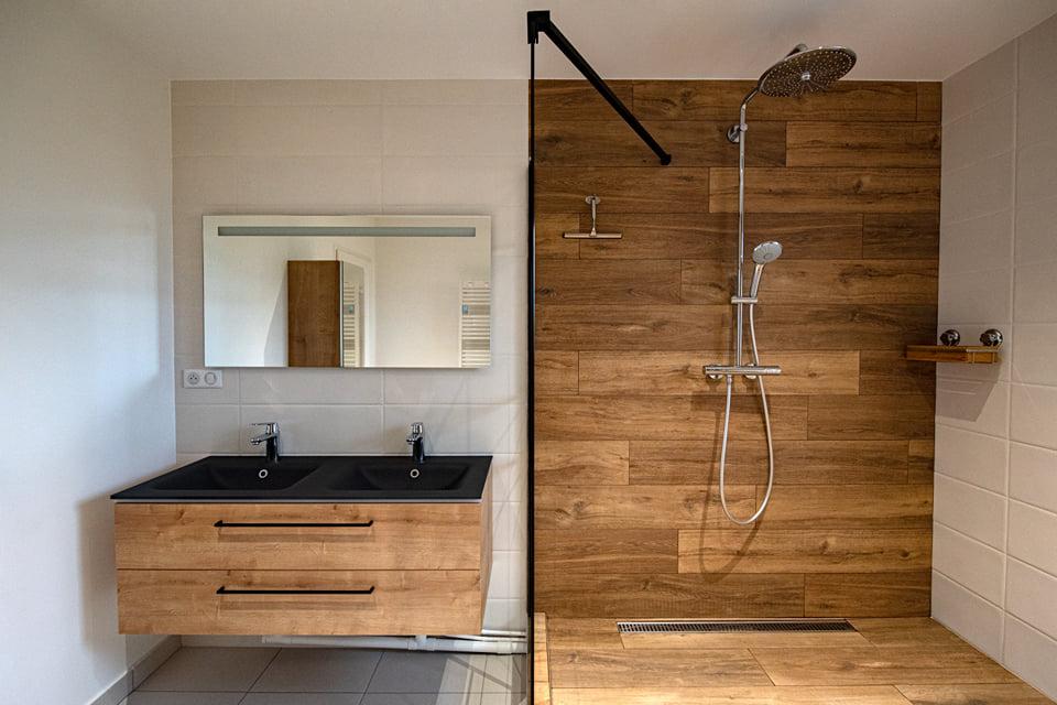 salle de bain industriel loft bois mobilier douche