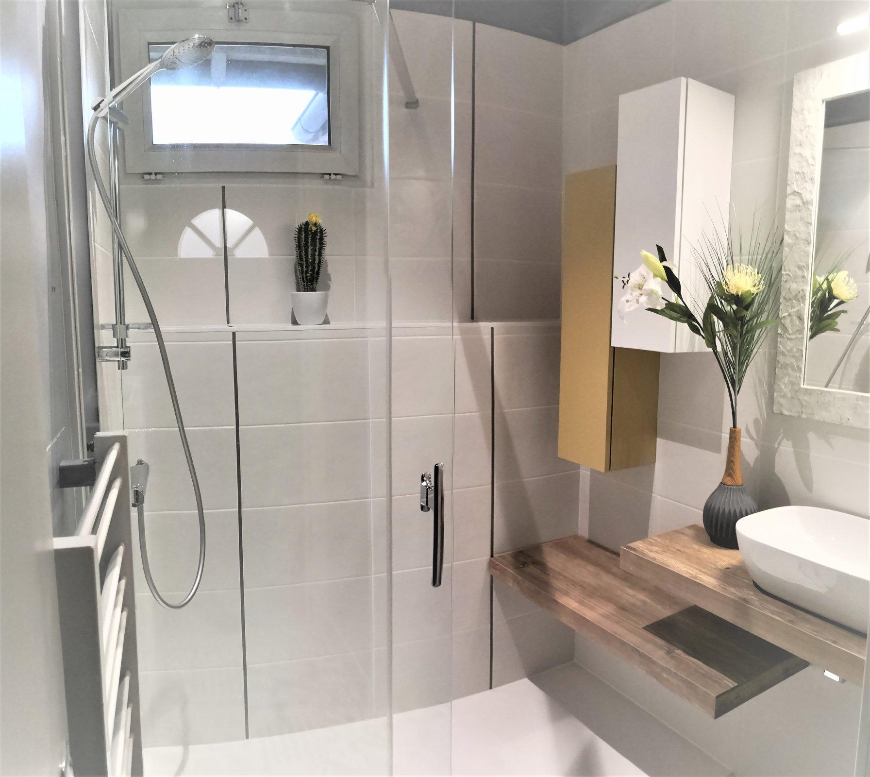 salle bain boheme chic vasque douche miroir