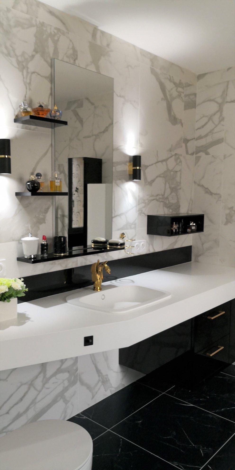 accessoires salle bain senior pratique marbre laiton