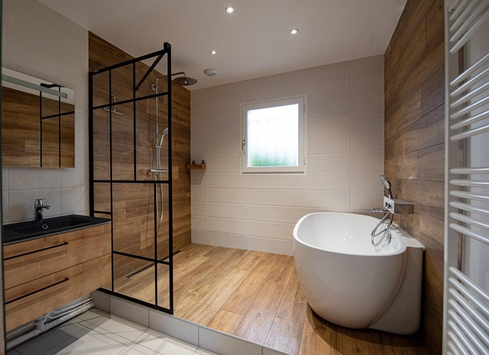 salle de bain industriel loft bois mobilier baignoire