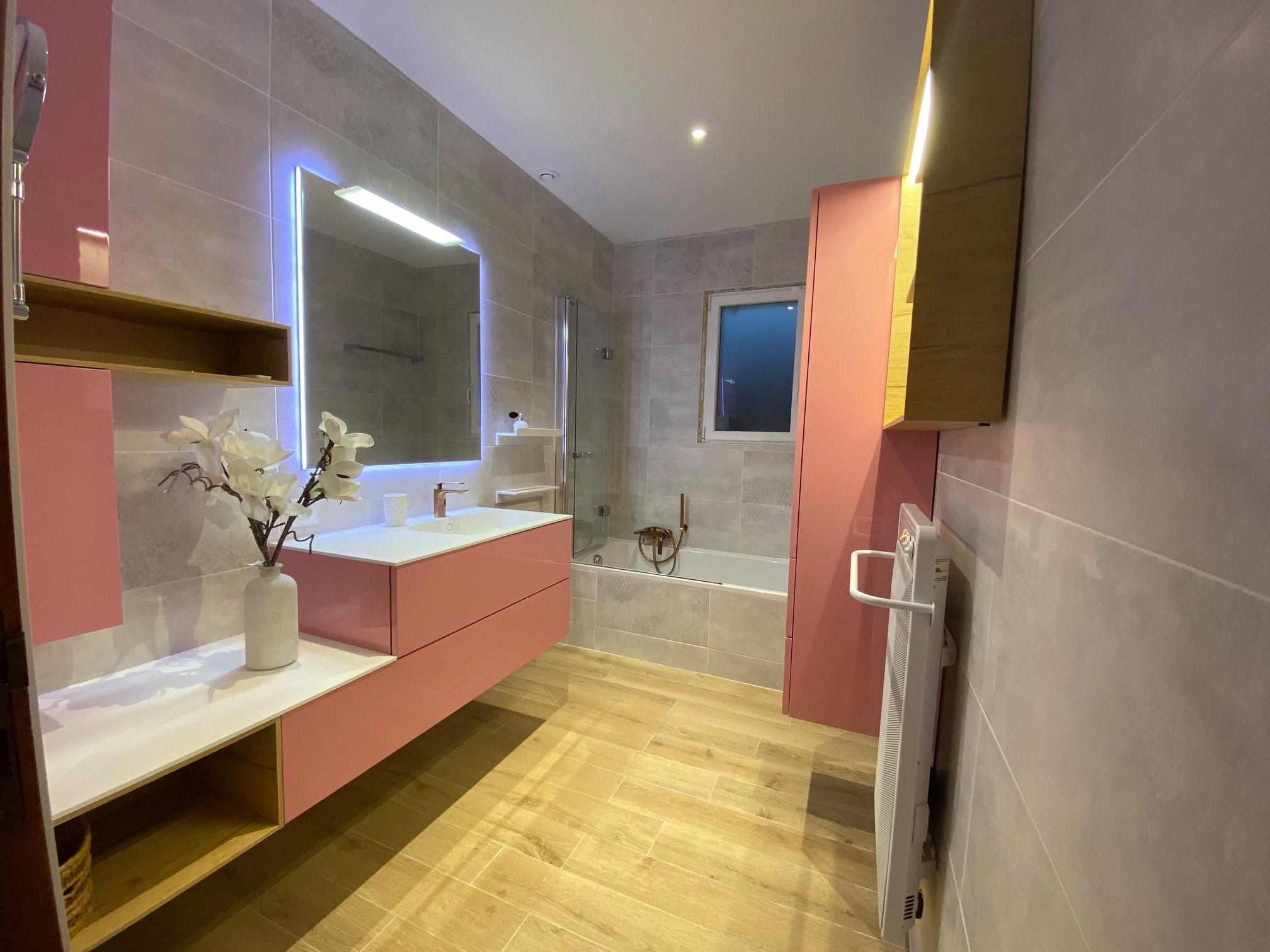 salle de bain classique art deco mobilier